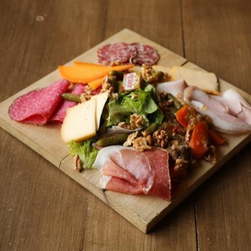 La Planche CDLF : charcuteries, fromages et de potjevleesch tranchés sur place